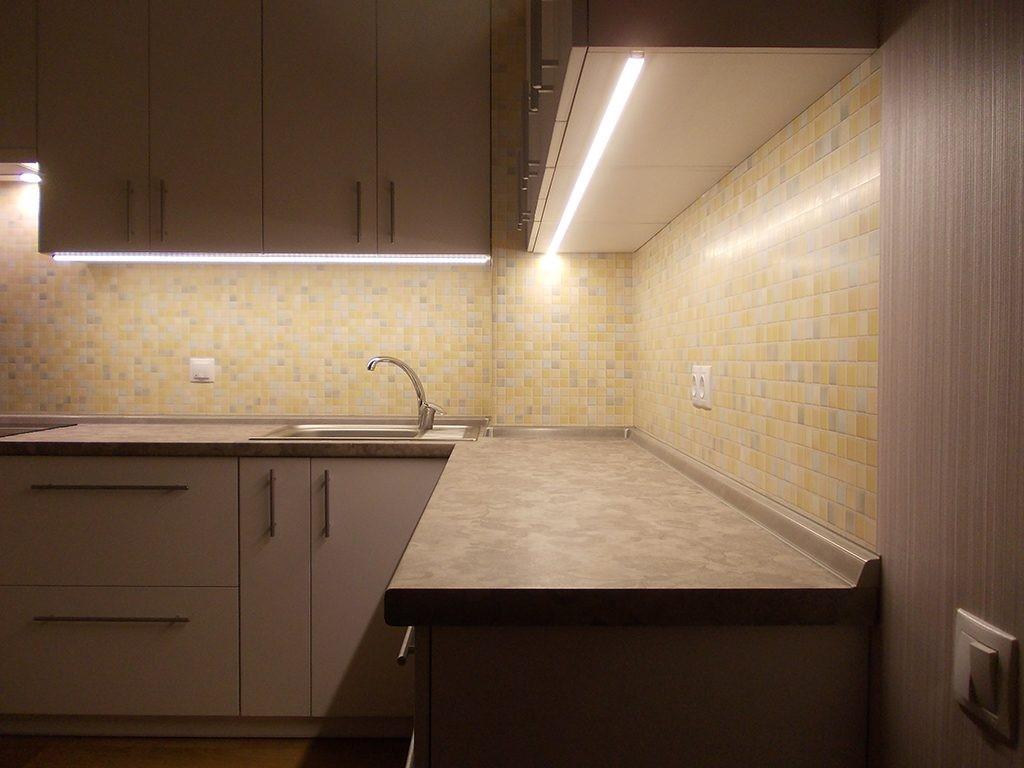 сделать светодиодную подсветку на кухне своими руками